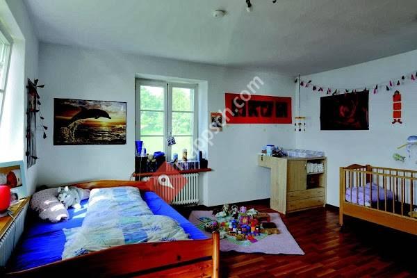 haus uerikon stiftung haus f r mutter und kind uerikon. Black Bedroom Furniture Sets. Home Design Ideas