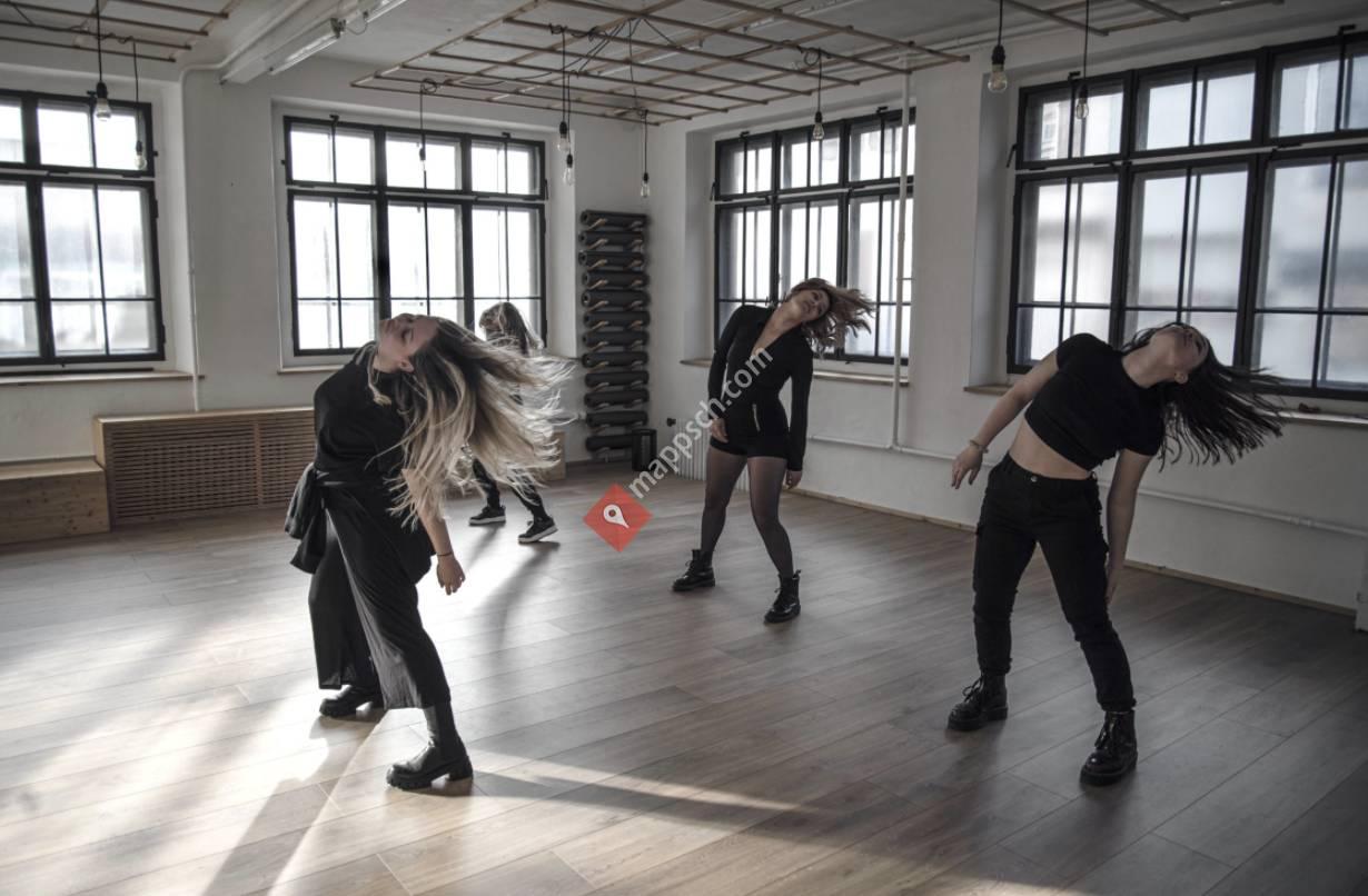 Sept et Huit Dance Studio