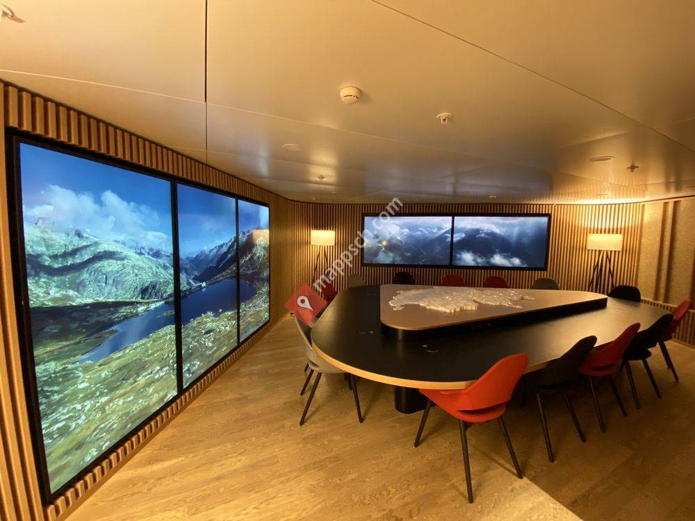 Swiss Business Lounge A