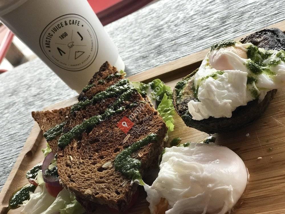 W Café